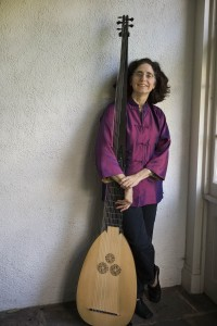 Deborah Fox, lutenist, with theorbo. Photo by Patricia Russotti